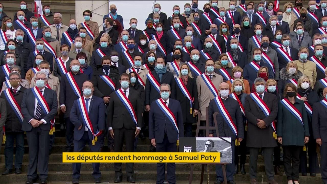 201019 Les Deputes rendent hommage a Samuel Paty